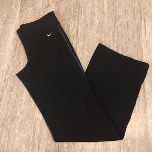 Nike fit dry yoga pants black inseam 31 inches